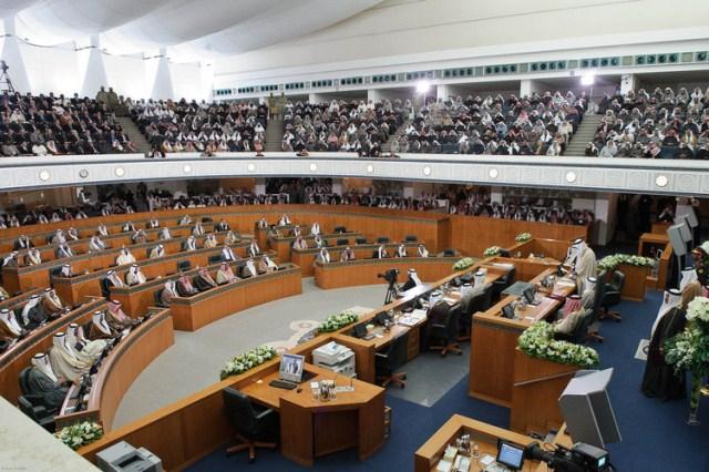 کویتی پارلیمنٹ میں آٹھ لاکھ بھارتی تارکین وطن کو ملک سے نکالنے کا بل منظور، پاکستانی ڈاکٹر طلب کر لیے