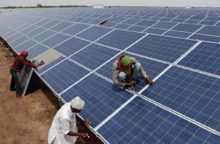 ہندوستان قابل تجدید توانائی کی کمپنیوں کی توجہ کا مرکز بن گیا