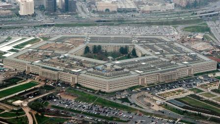 دفاعی بجٹ بڑھانے پر صدر بائیڈن سخت تنقید کی زد میں: امریکی سیاسی جماعتیں اسلحہ ساز کمپنیوں کے چنگل میں اور فوج میں بدعنوانی کی چہ مگوئیاں پھر عروج پر